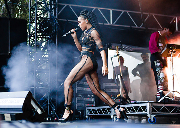 FKA_Twigs_Sydney_Laneway_Festival_2015_credit_Jacquie_Manning-4
