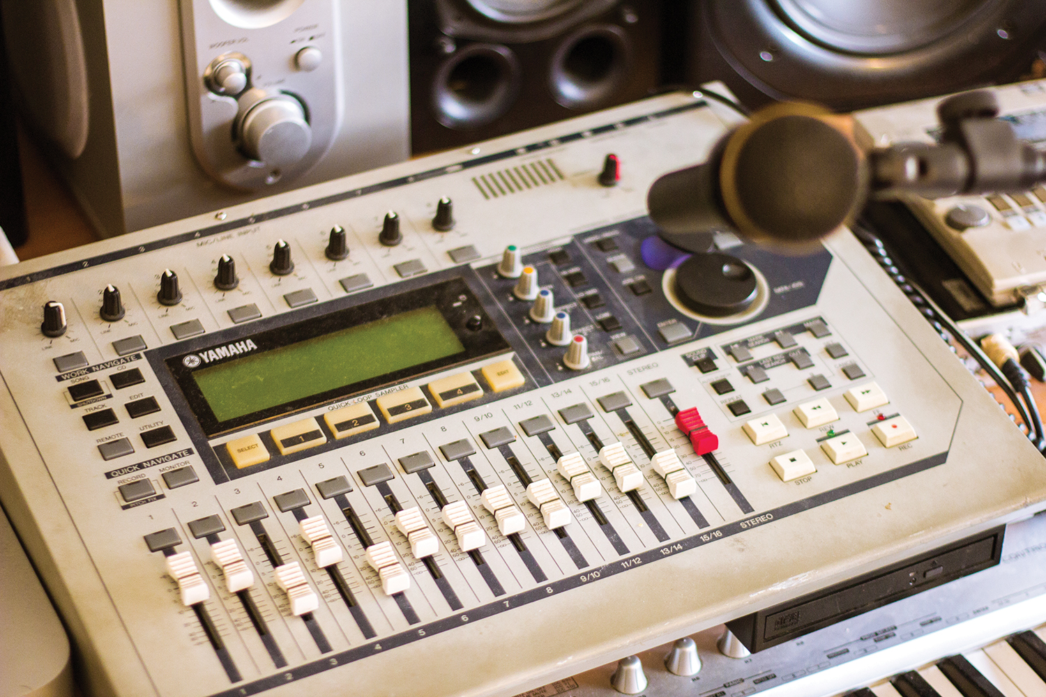 Most people wouldn't consider the Yamaha AW1600 hard disk 16-track machine to be a tone machine, but Harts gets his signature fuzz tone by clipping the input gain… hard.
