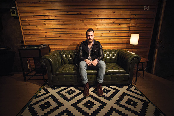 A pensive Asgeir contemplating Icelandic life on the Syrland leather couch. Kiddi has an amazing array of gear, including API 3124 preamps, Vac Rac TSL-4 tube limiter, Chandler preamps and compressors coming out his ears and a whole rack dedicated to Tube-Tech blue. He also has a real EMT plate reverb squirelled away in the complex.