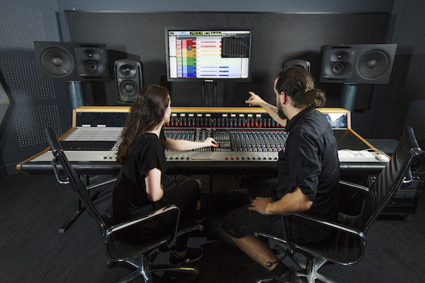 neve-studio-audio-facility-2_rs
