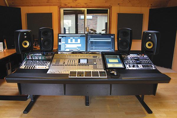 Phoenix-Sound-Studios---Control-Room
