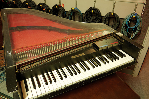 If The Beatles taught us anything it's that a harpsichord can go a long way. Especially one of these nifty Baldwin Electric Combos.